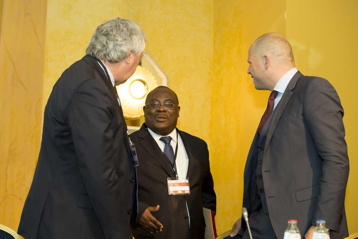 Thematic-meeting-Brussels-handshake